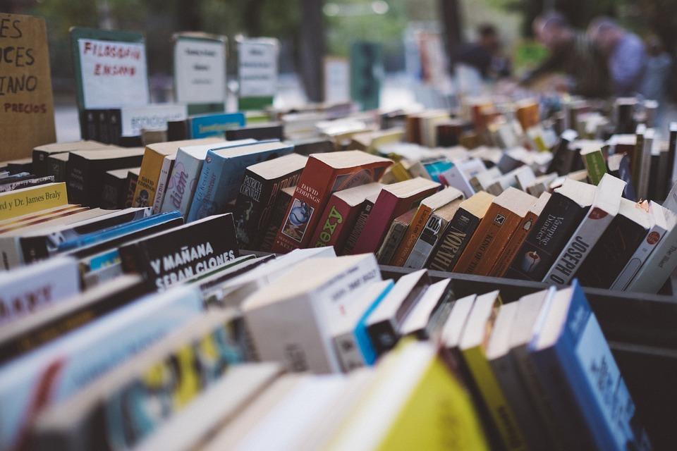 7 книг о деньгах, которые стоит прочитать этим летом