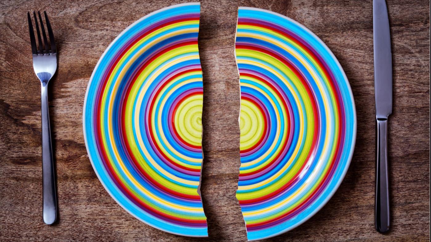 Кто платит за разбитую посуду? Спорные ситуации в правах потребителей