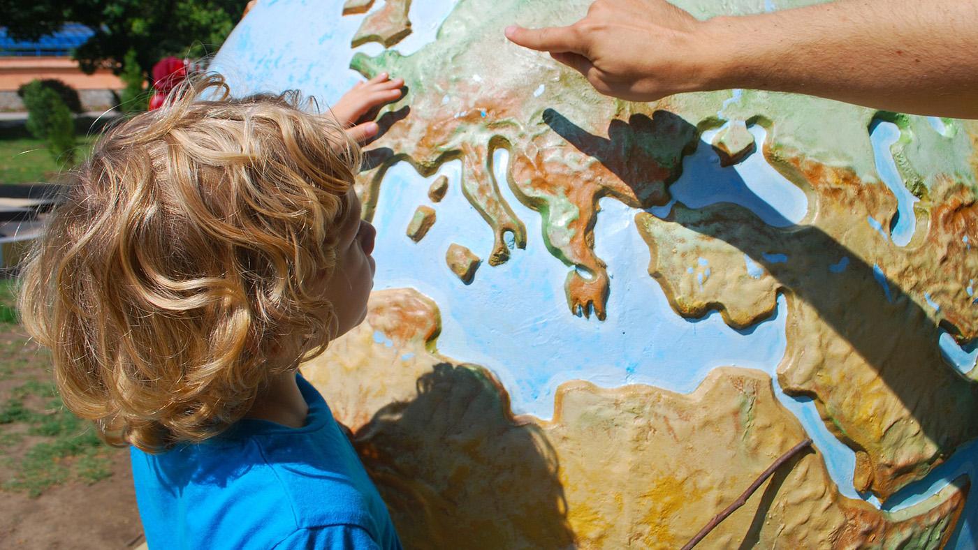 С ребёнком в путь-дорогу. Что нужно знать о путешествиях с детьми?