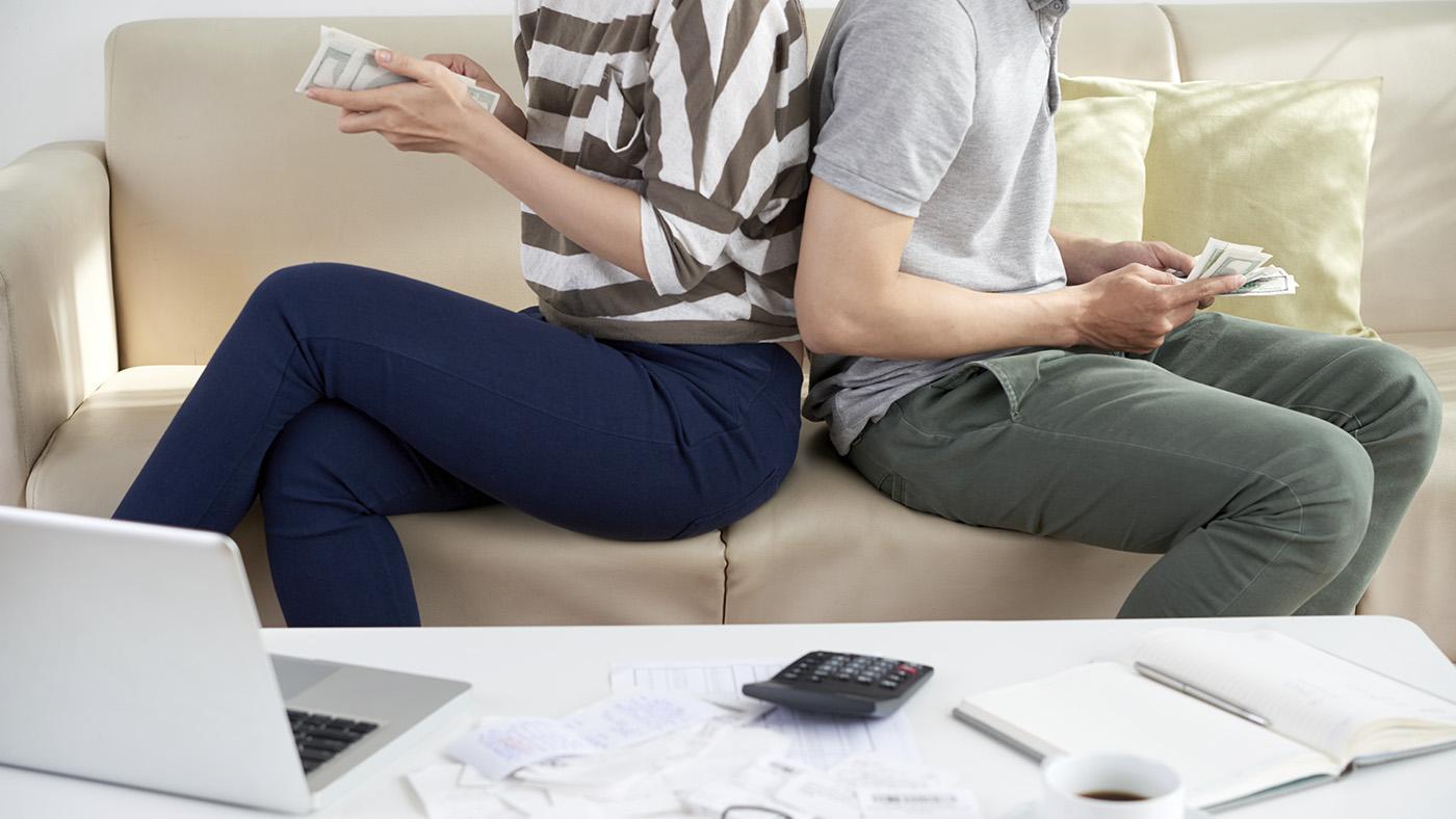 Разделять или властвовать? Разбираемся, как лучше вести семейный бюджет